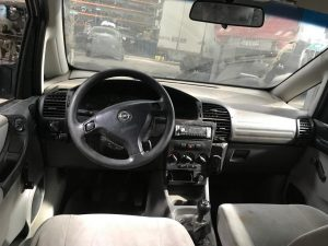 Opel Zafira A (4)
