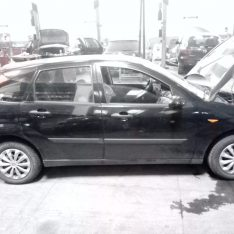 Ford Focus I 2004 Hatchback 1.6 benzina