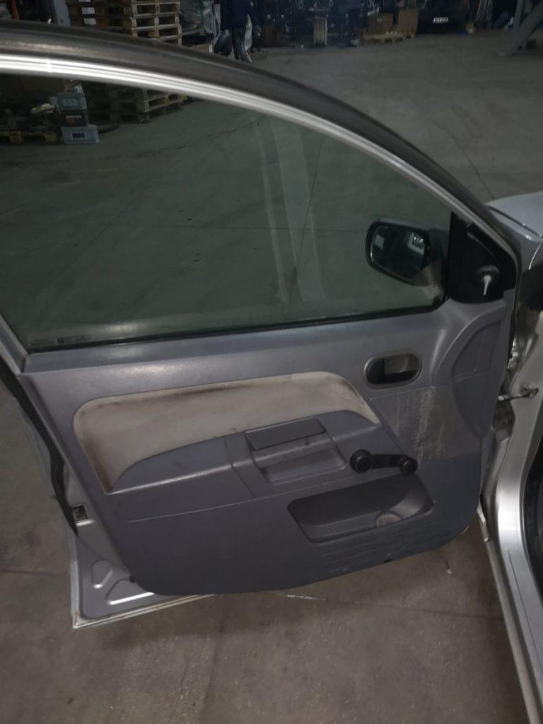 Ford Fusion 2002 Hatchback 1.4 tdci - F6JA (8)